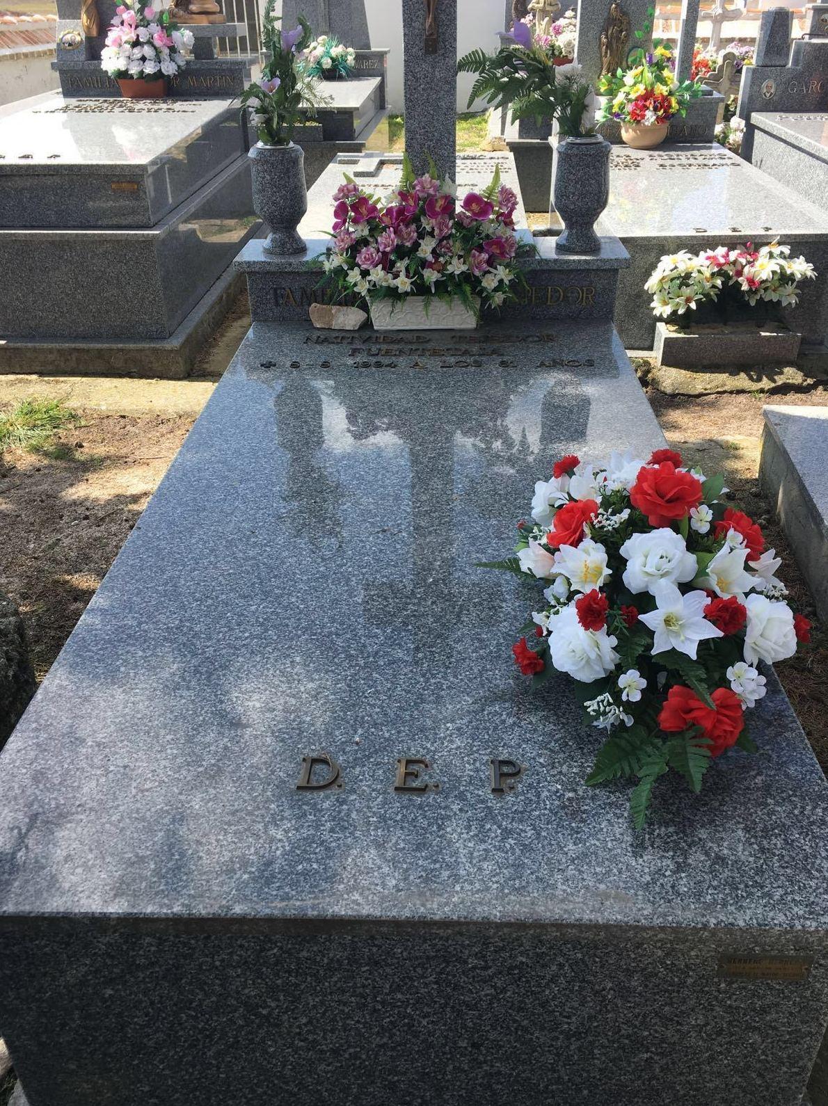 Centros de flores funerarios