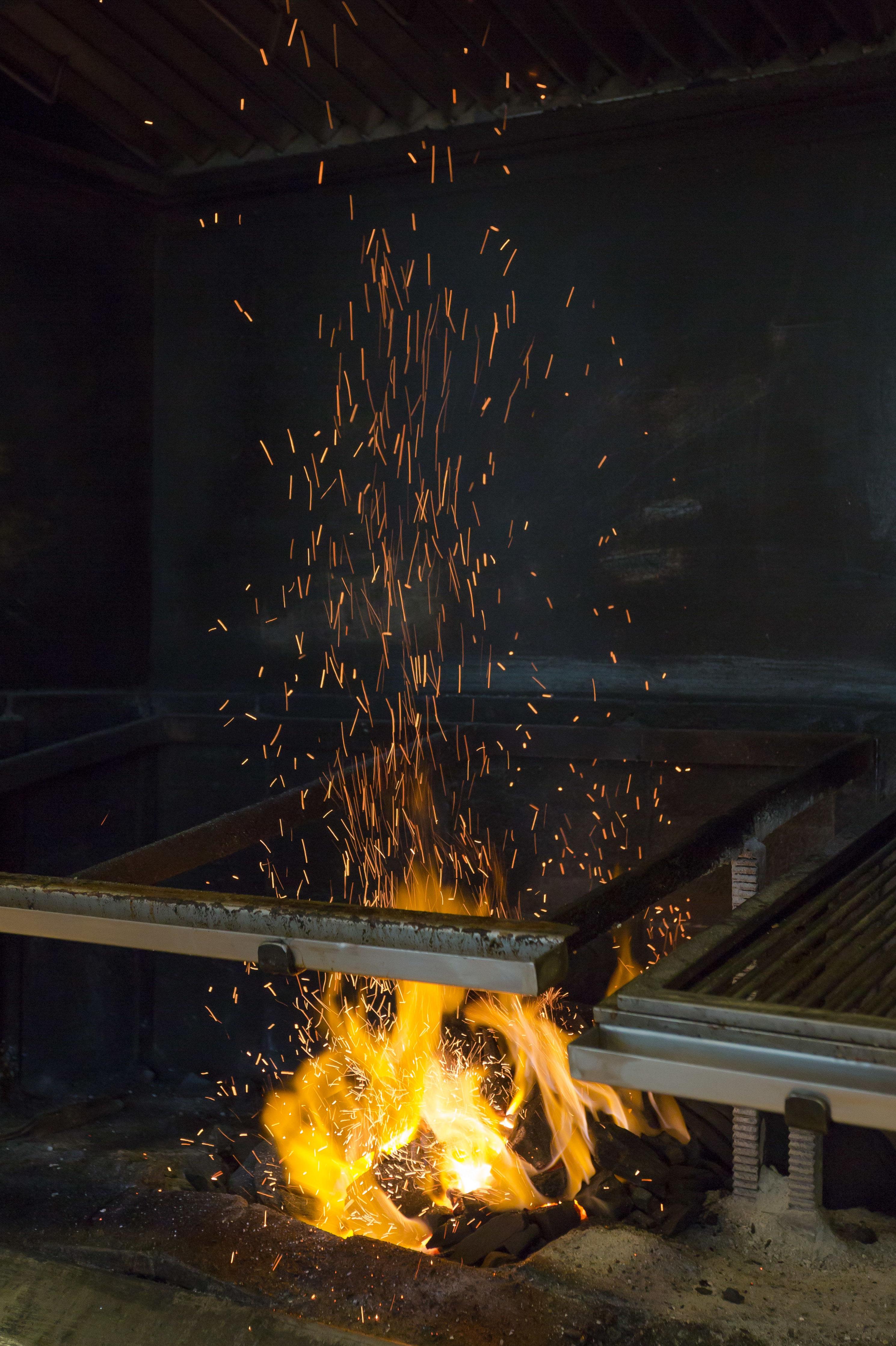Restaurante parrilla en Peralta