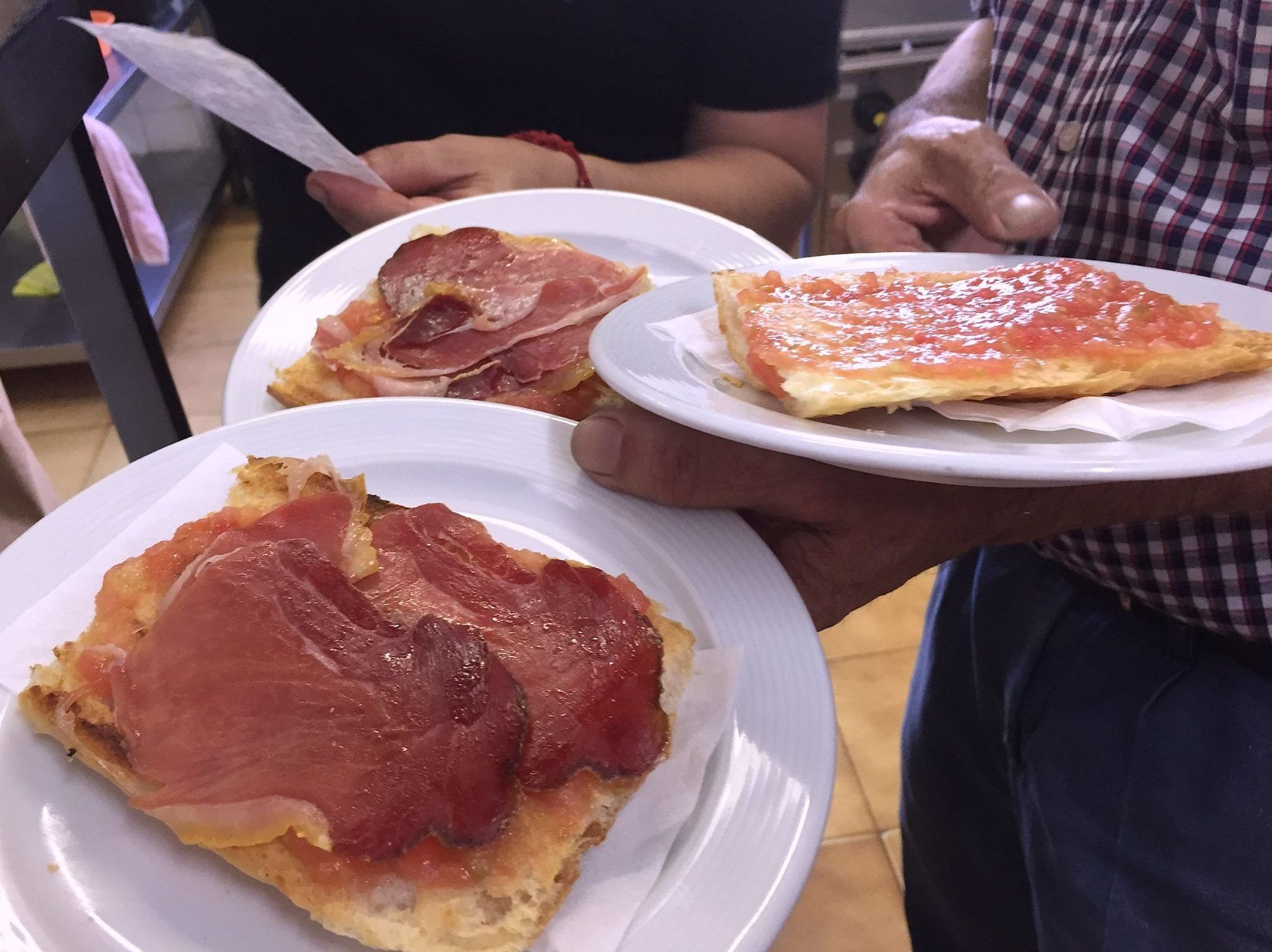 Pan con tomate y jamón