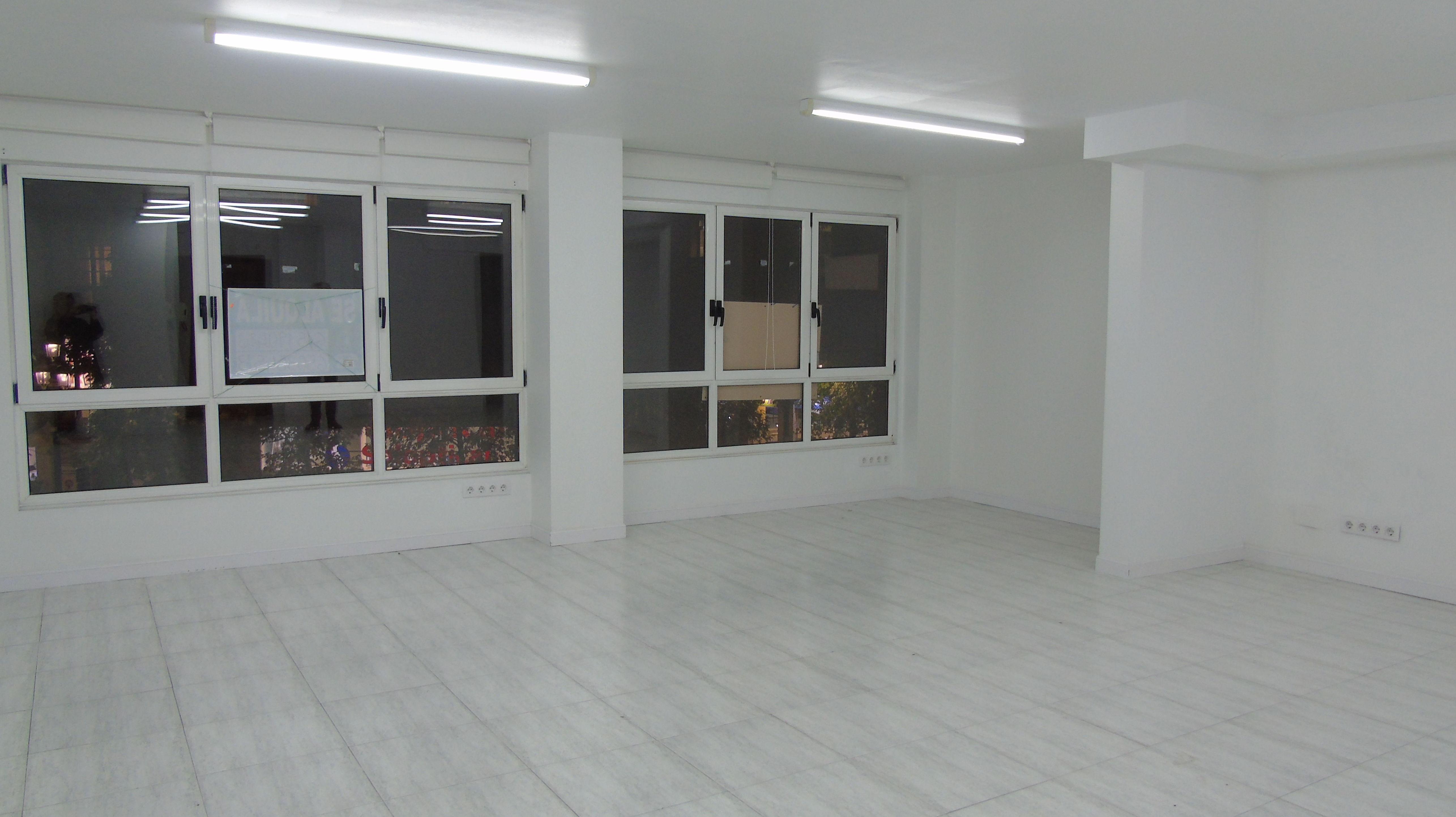Oficina en 2ª planta Amos de Escalante: Inmobiliaria y Reformas de InmoHappy Santander