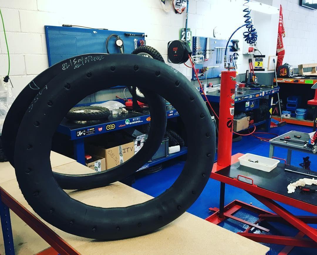 Neumáticos y recambios para motos