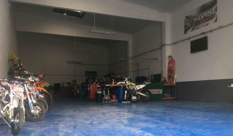 Taller espciecializado en motos off road,  mantenimiento, preparaciones, competición, mecánica,
