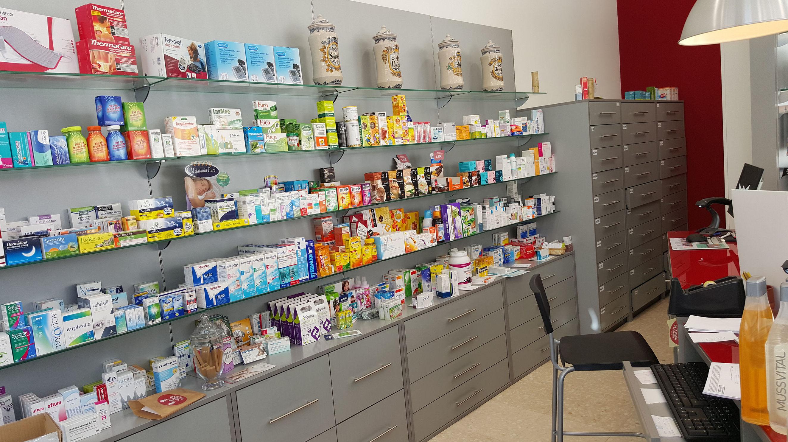 Muebles para farmacia en Barcelona