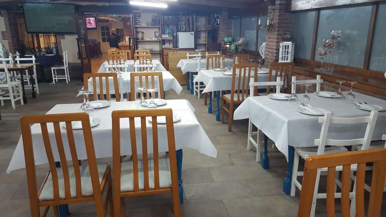 Amplios salones para eventos en El Restaurante Asador El Pozo en Santander