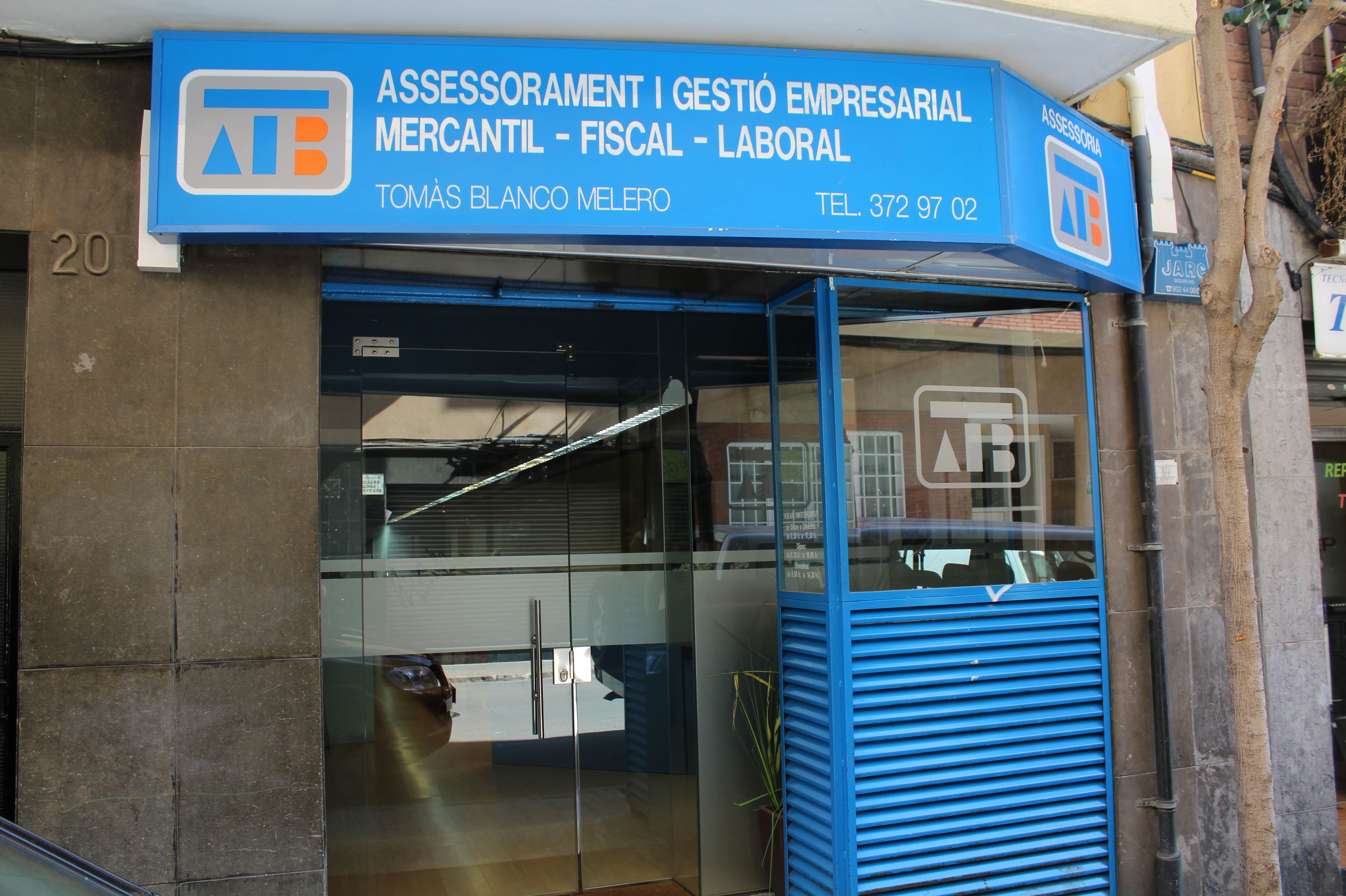 Foto 1 de Asesoría en Esplugues de Llobregat | Assessoría Tomàs Blanco