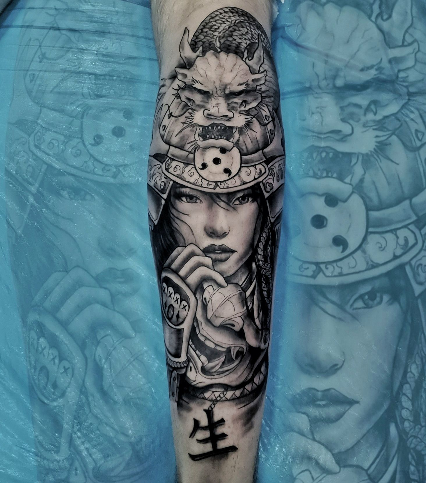 Foto 1 de Estudio de tatuajes en    Emotive Tattoo