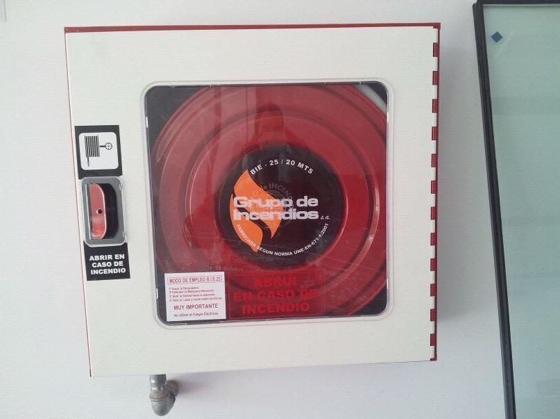 Instalación y mantenimiento de bocas contraincendios