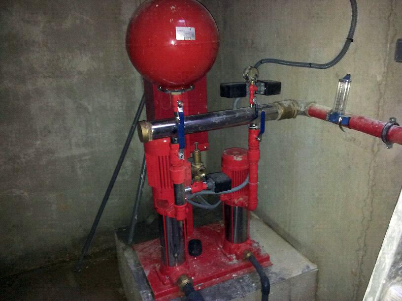 Instalación y mantenimiento de grupos de presión en edificios