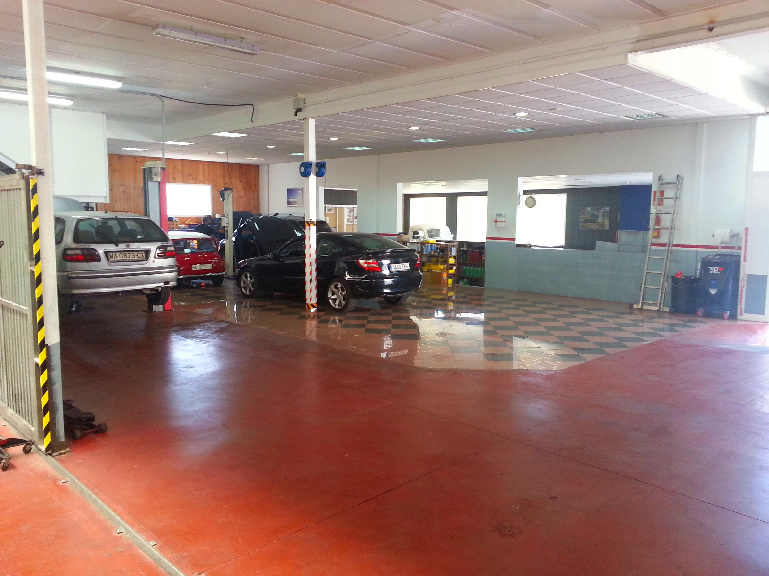 Foto 6 de Taller de automóviles en Rincón de la Victoria | Talleres Jimena - Servicio Multimarca S.L.