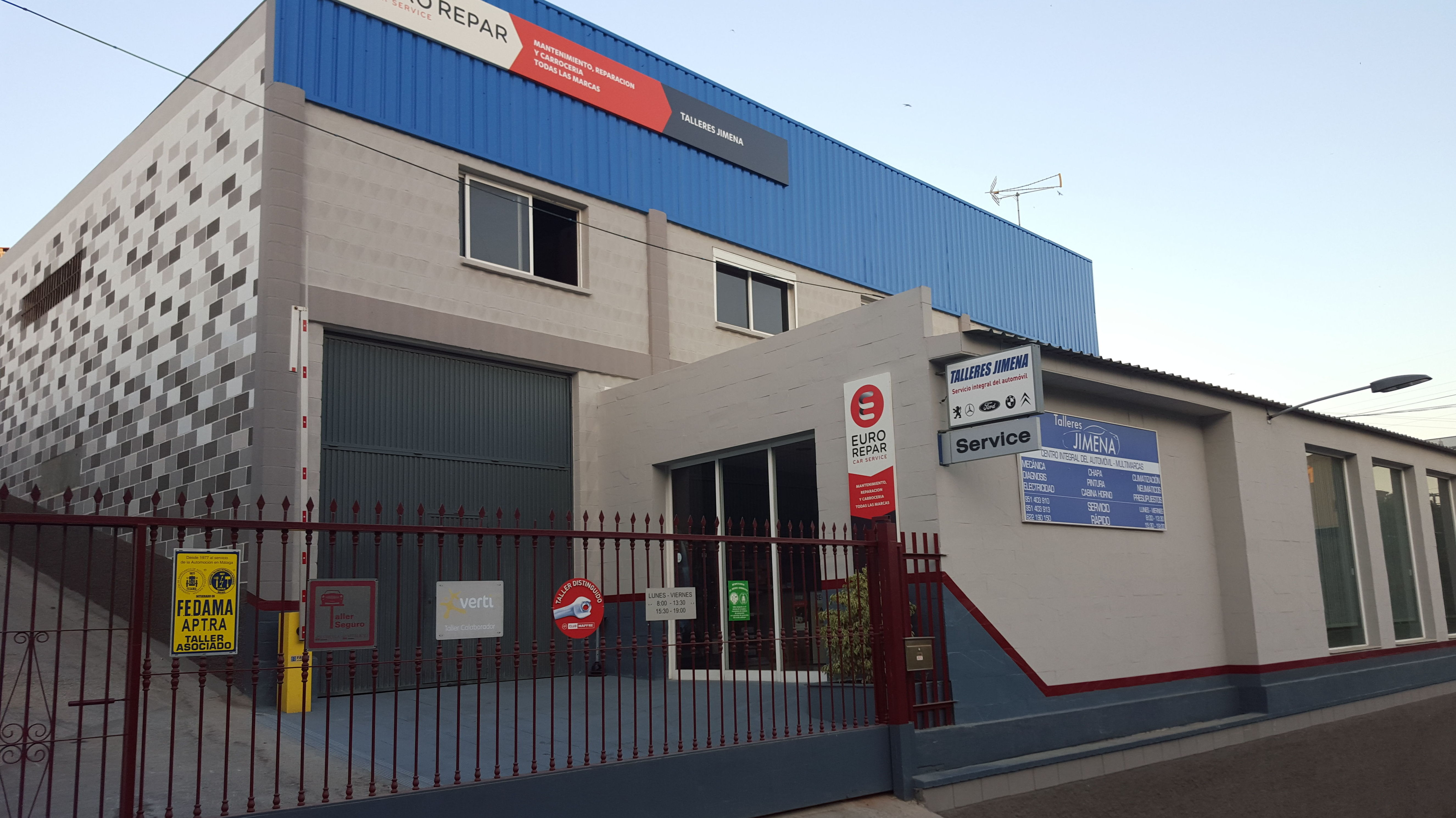 Foto 1 de Taller de automóviles en Rincón de la Victoria | Talleres Jimena - Servicio Multimarca S.L.