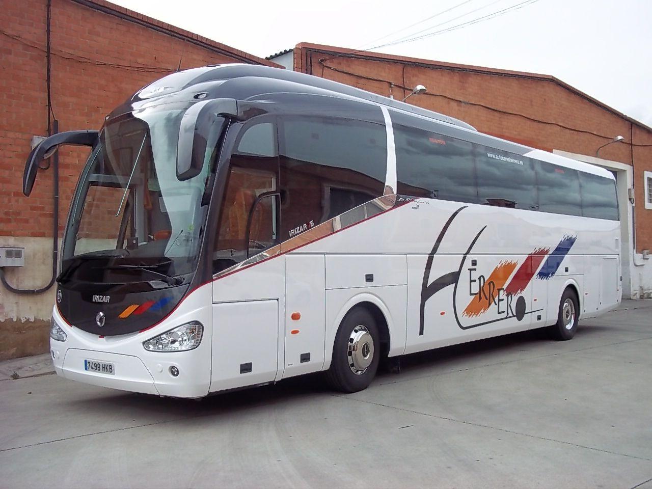 Autobuses nuevos con pocos kilómetros