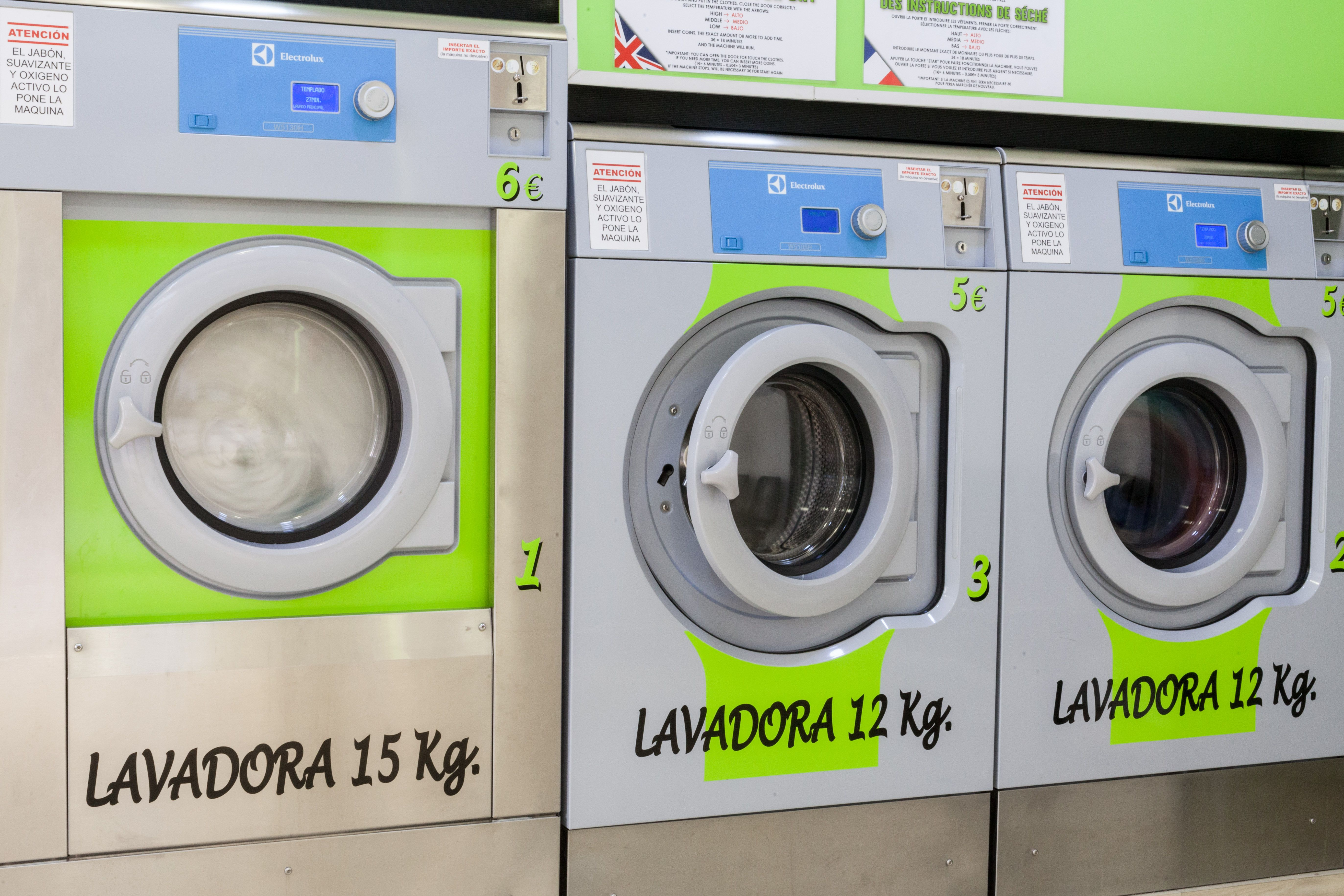 Lavadoras de diferentes cargas para nuestros clientes en Granada