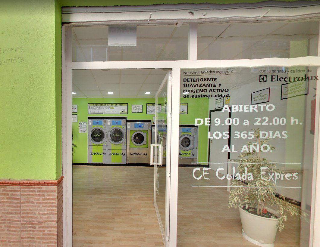 Servicio a apartaholetes: Servicios de Lavandería Autoservicio Colada Exprés Granada