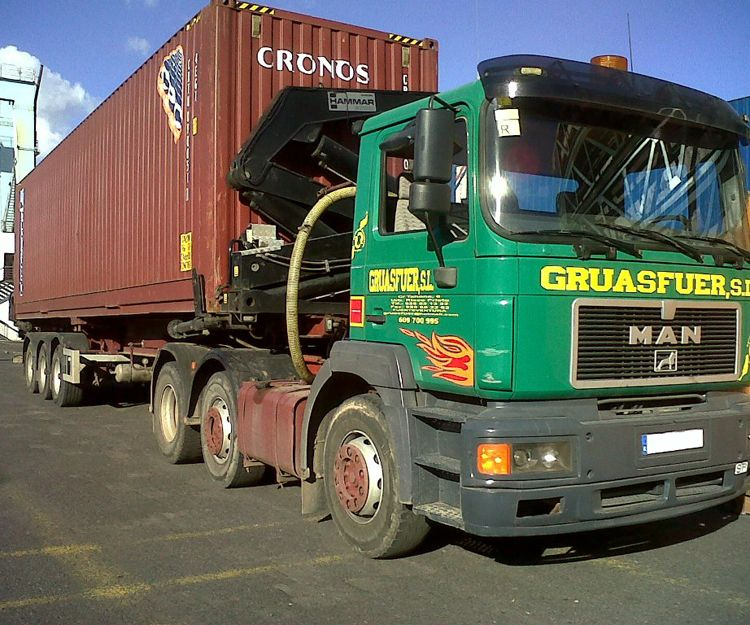 Transporte de container de 12 metros en Fuerteventura