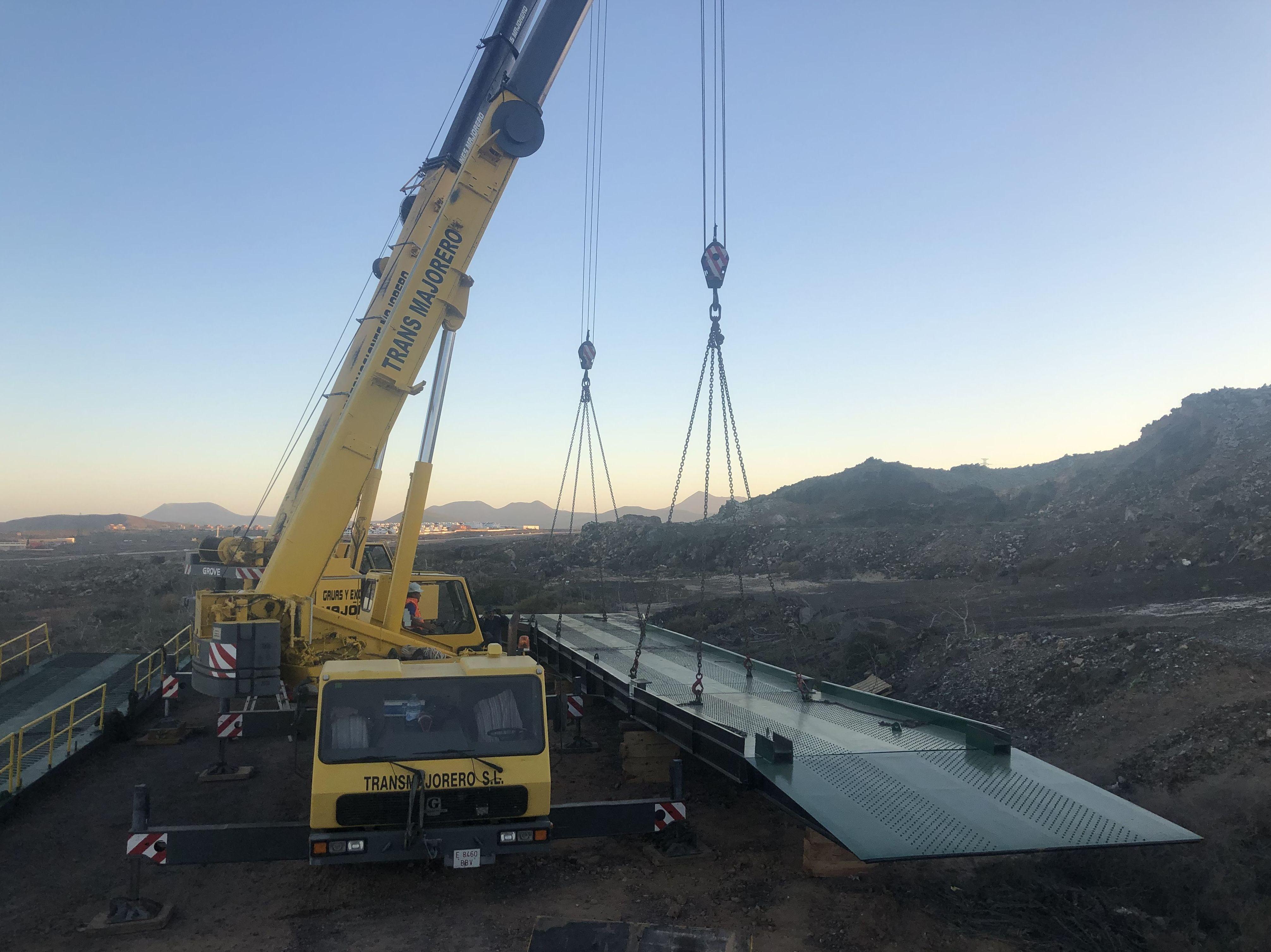 Foto 5 de Grúas y excavaciones en Puerto del Rosario | Grúasfuer S.L.