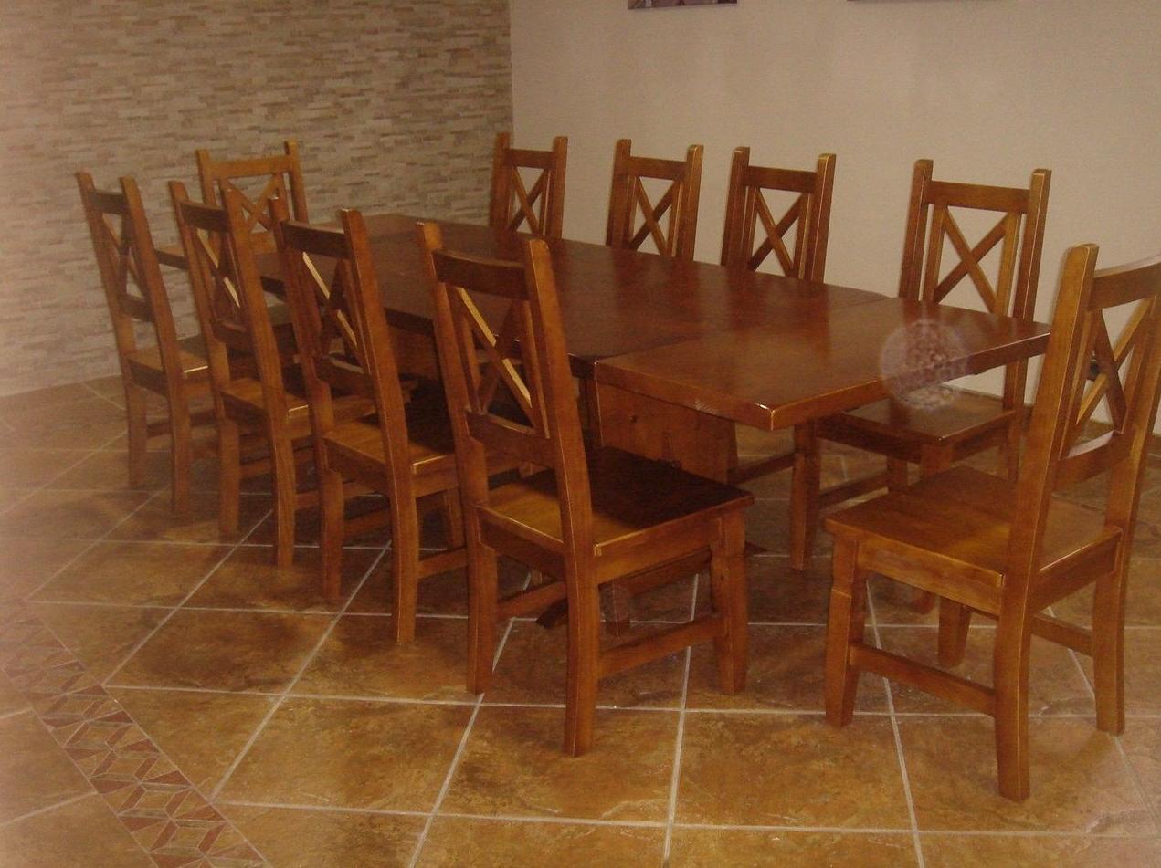 Conjunto de sillas y mesa