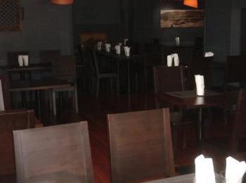Muebles para restaurantes en distintos acabados