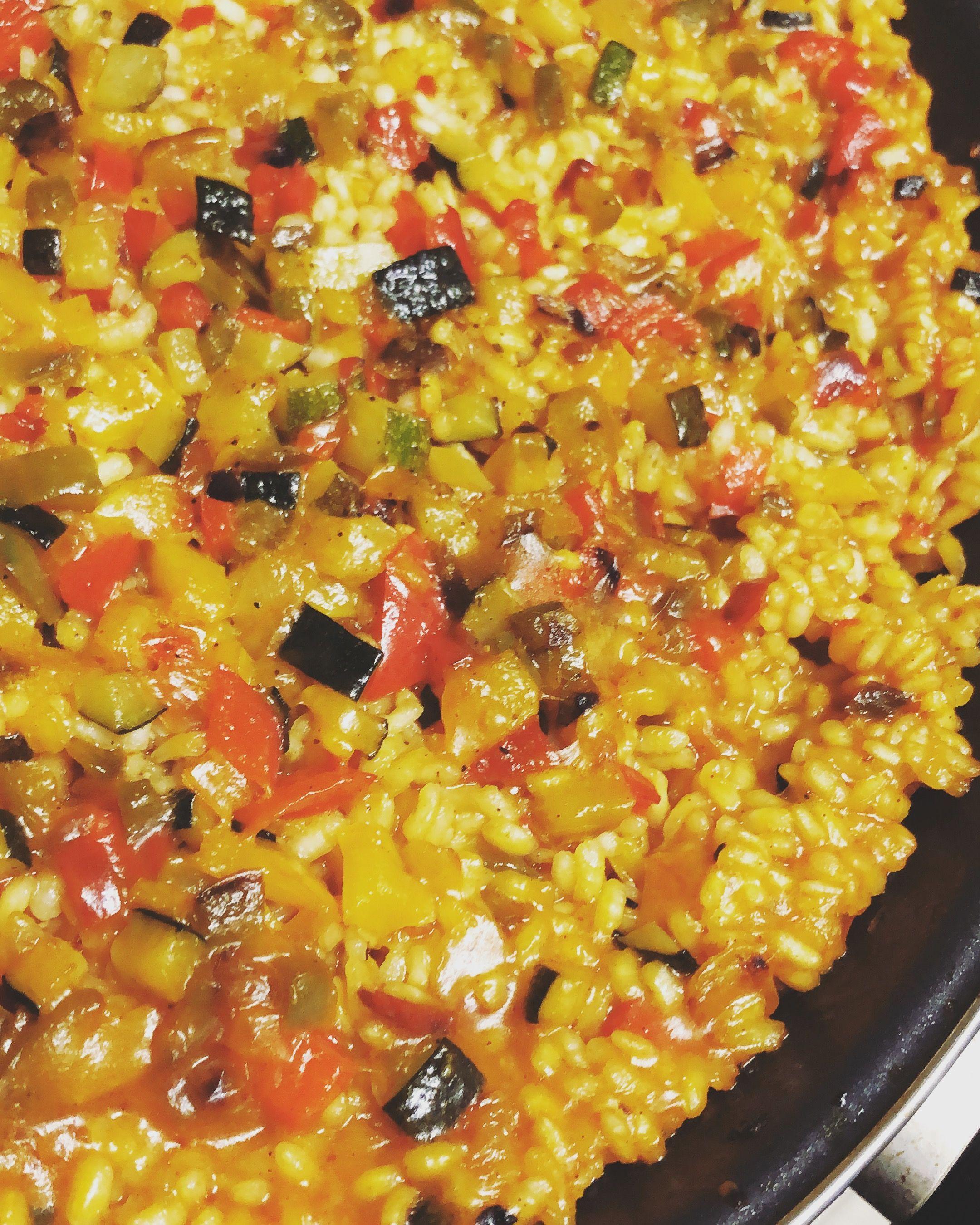 Diversos platos de arroz