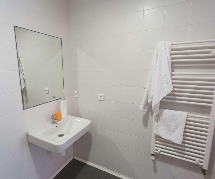 Amplios cuartos de baño totalmente equipados