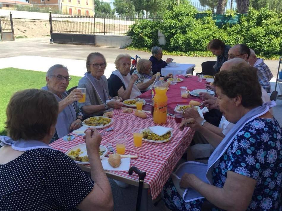 Foto 2 de Residencia para el cuidado de mayores en Valladolid en El Carpio | Residencia Condes del Carpio