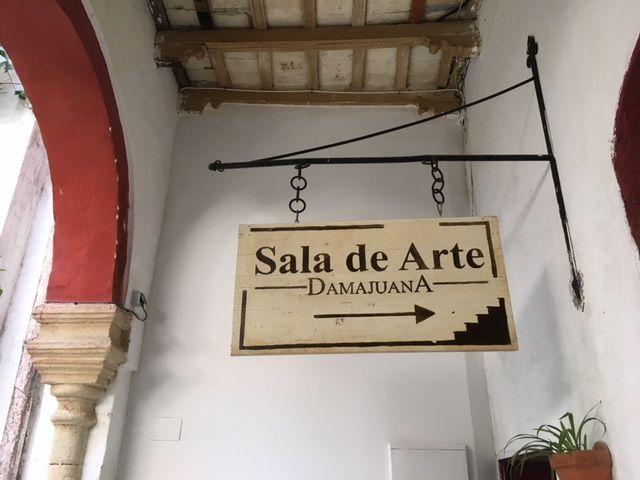 Bar con exposiciones de arte en Jerez de la Frontera