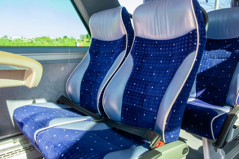 Autocares con amplios asientos en Barcelona