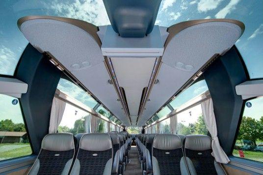 Autocares amplios y cómodos para viajes