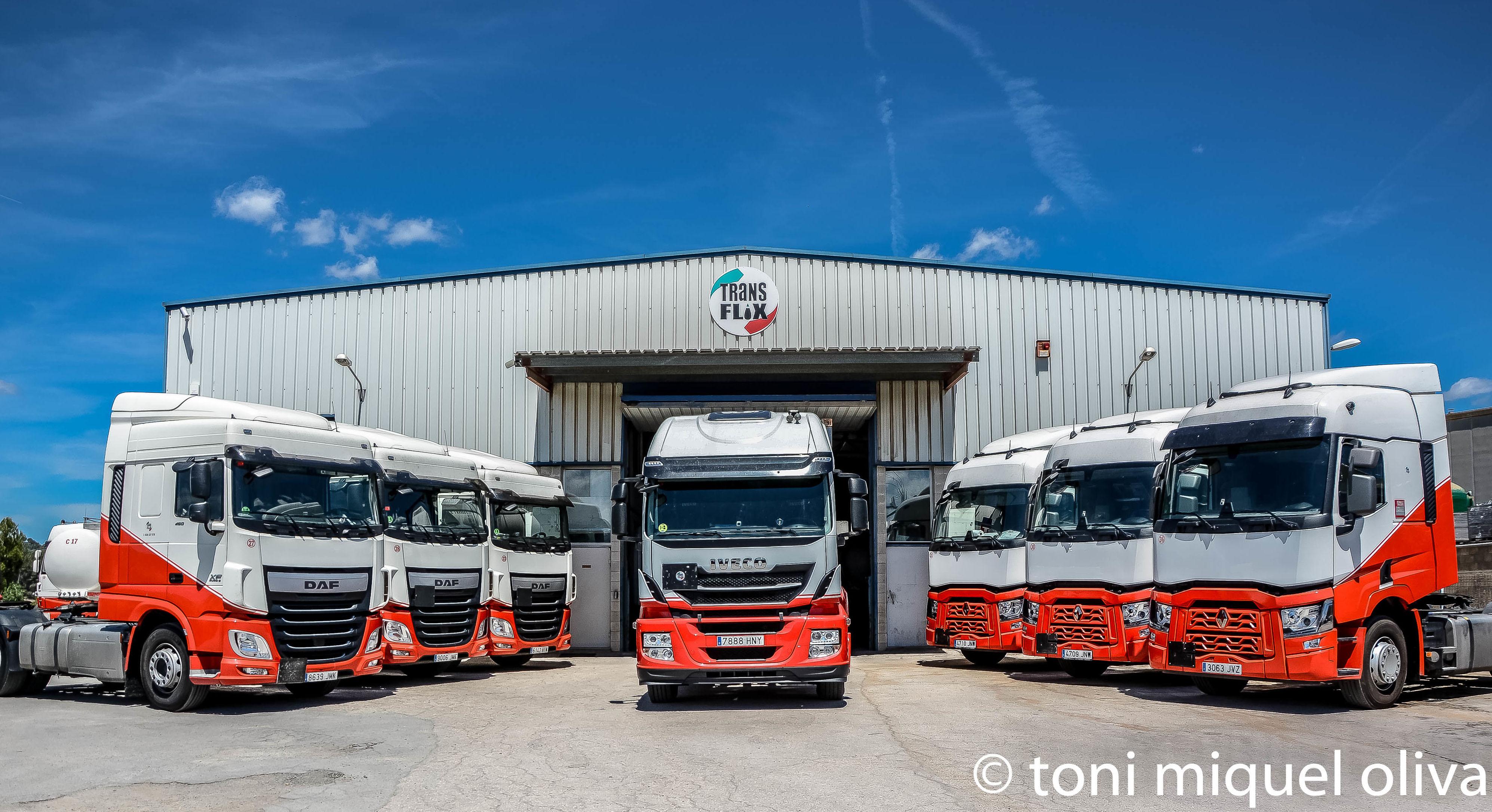 Foto 1 de Transporte de mercancías en Barcelona en Esparreguera | Transportes Flix, S.A.