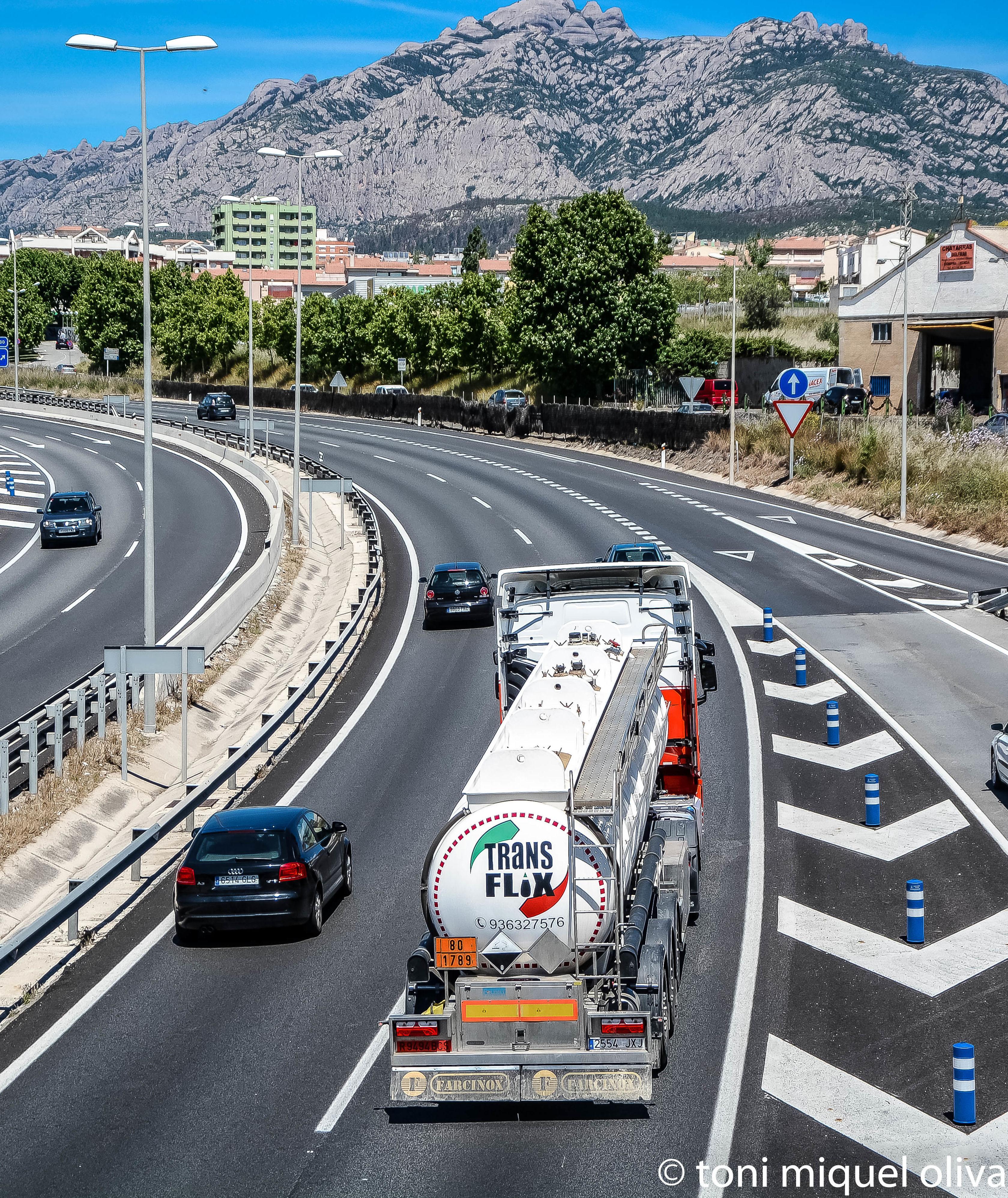 Foto 6 de Transporte de mercancías en Barcelona en Esparreguera | Transportes Flix, S.A.