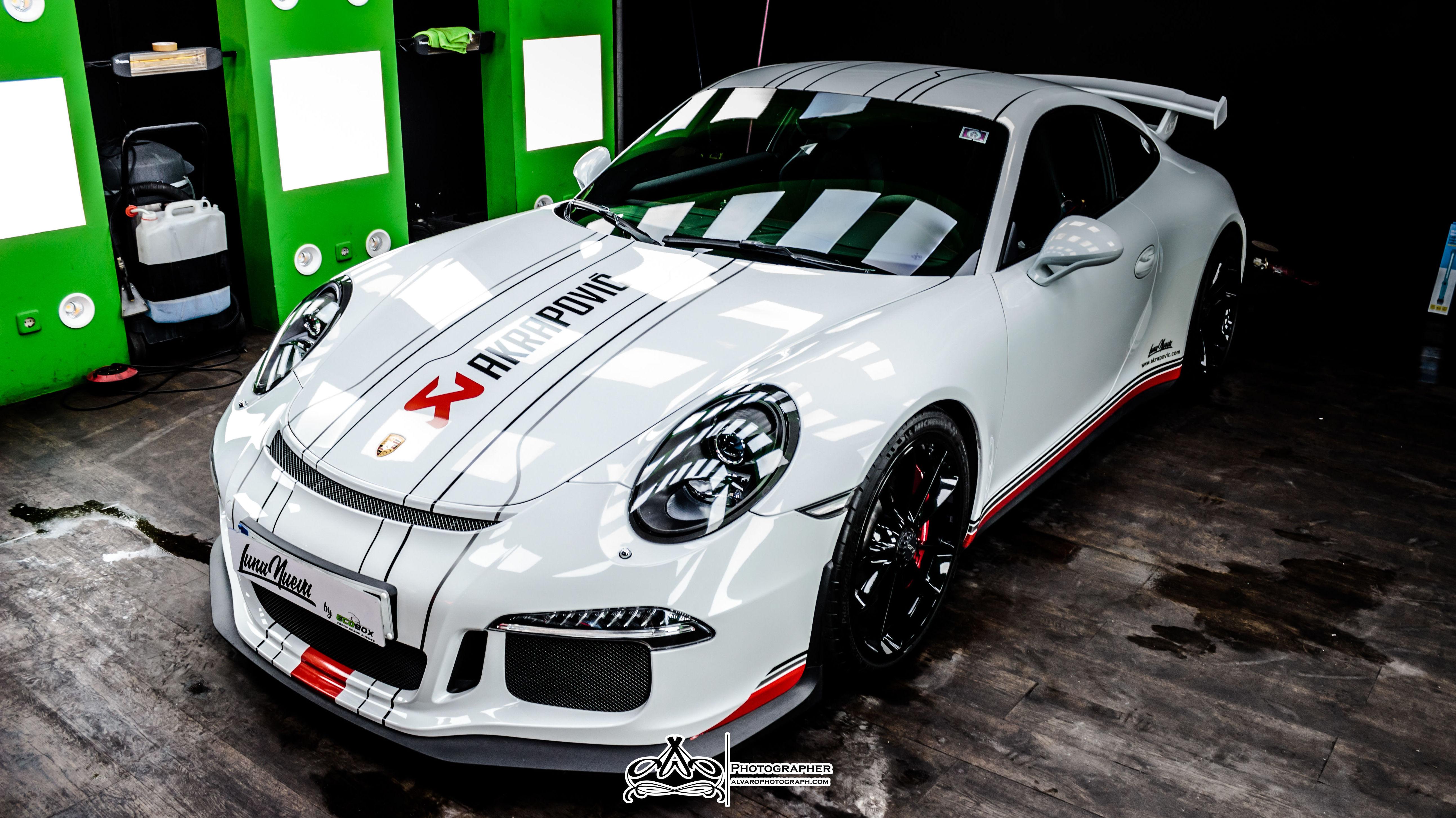 Porsche GT3 Akarpovic