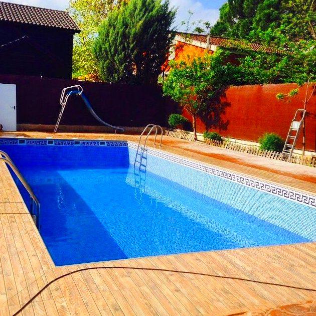 Construcci n de piscinas productos y servicios de tejados for Productos piscinas
