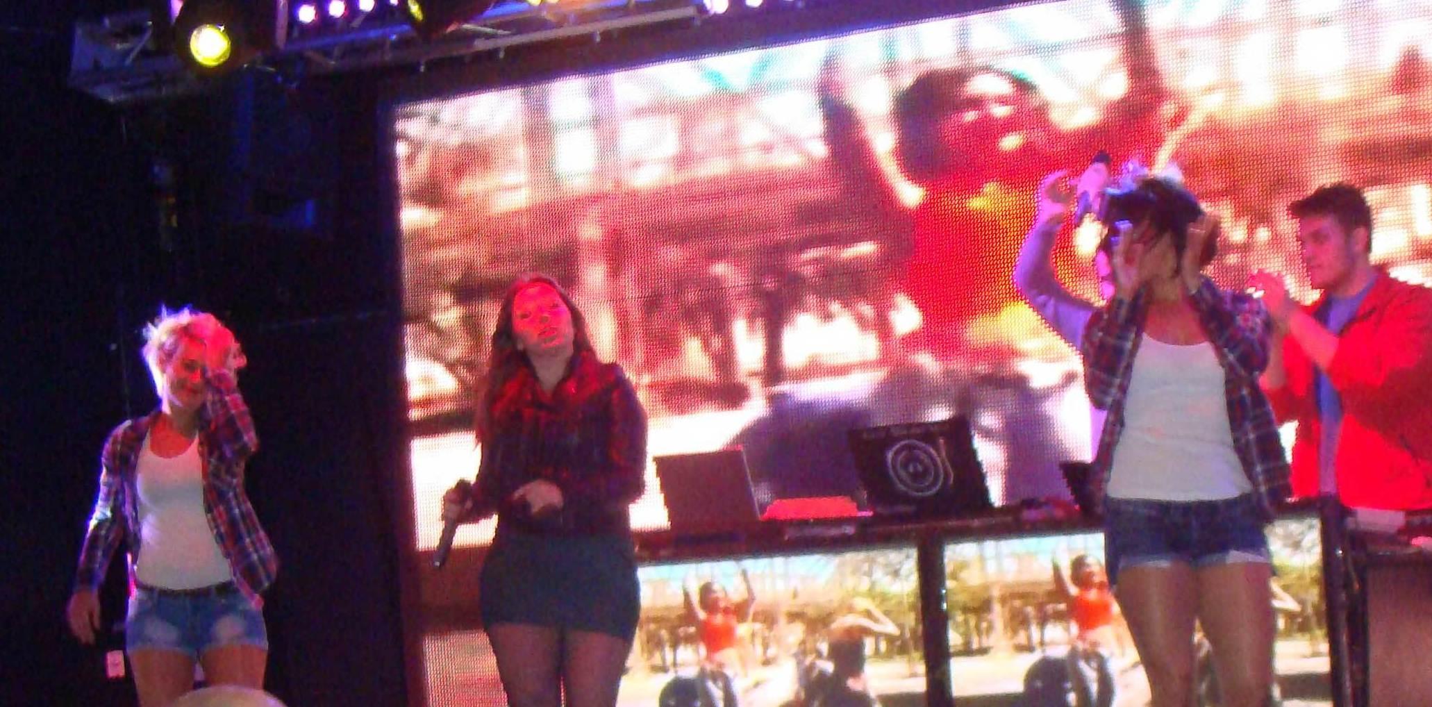 Camion Macro Discoteca Show cantante Fiesta DISCORKESTA