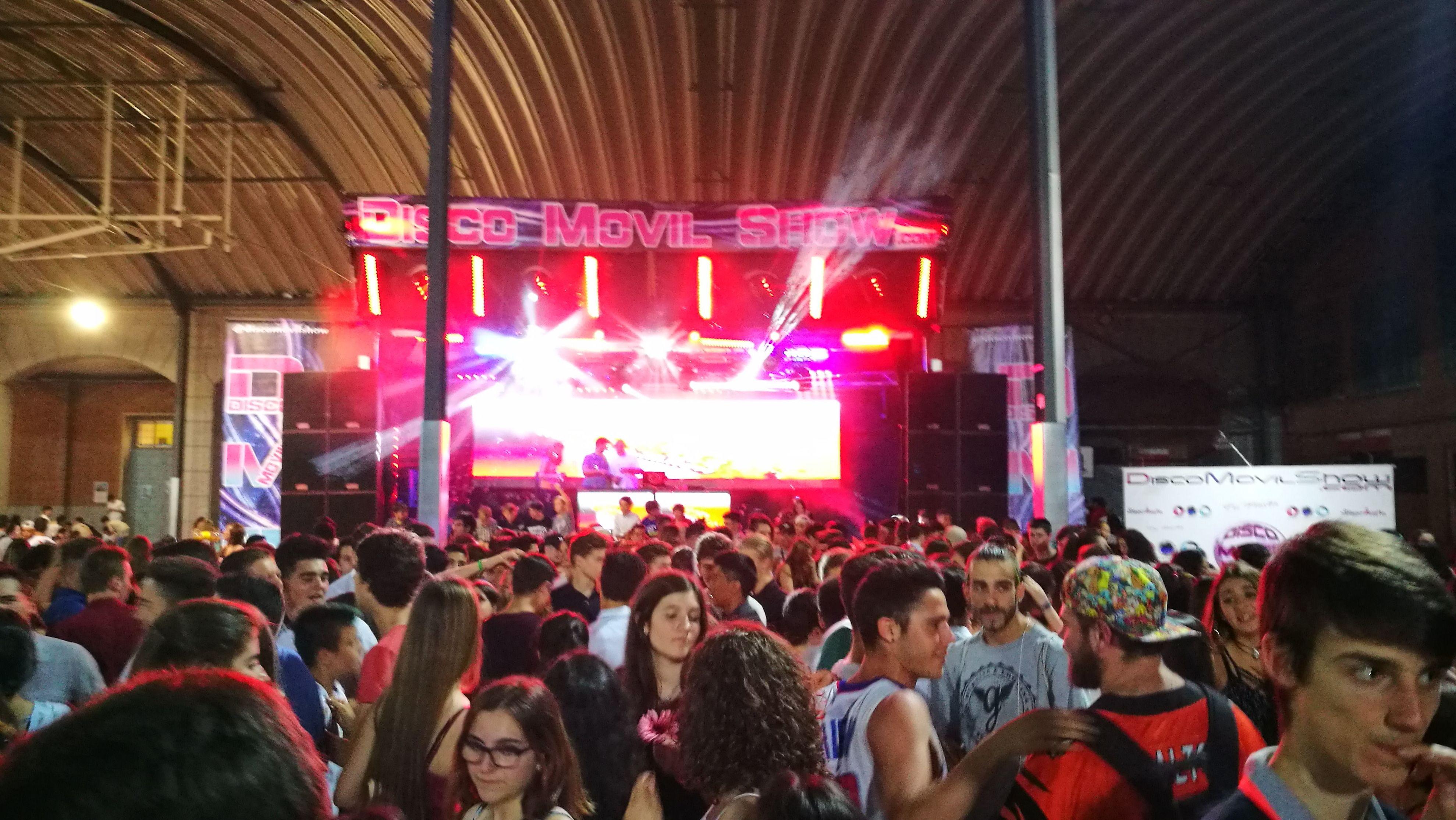 Macro Disco: Servicios de Disco Móvil Show