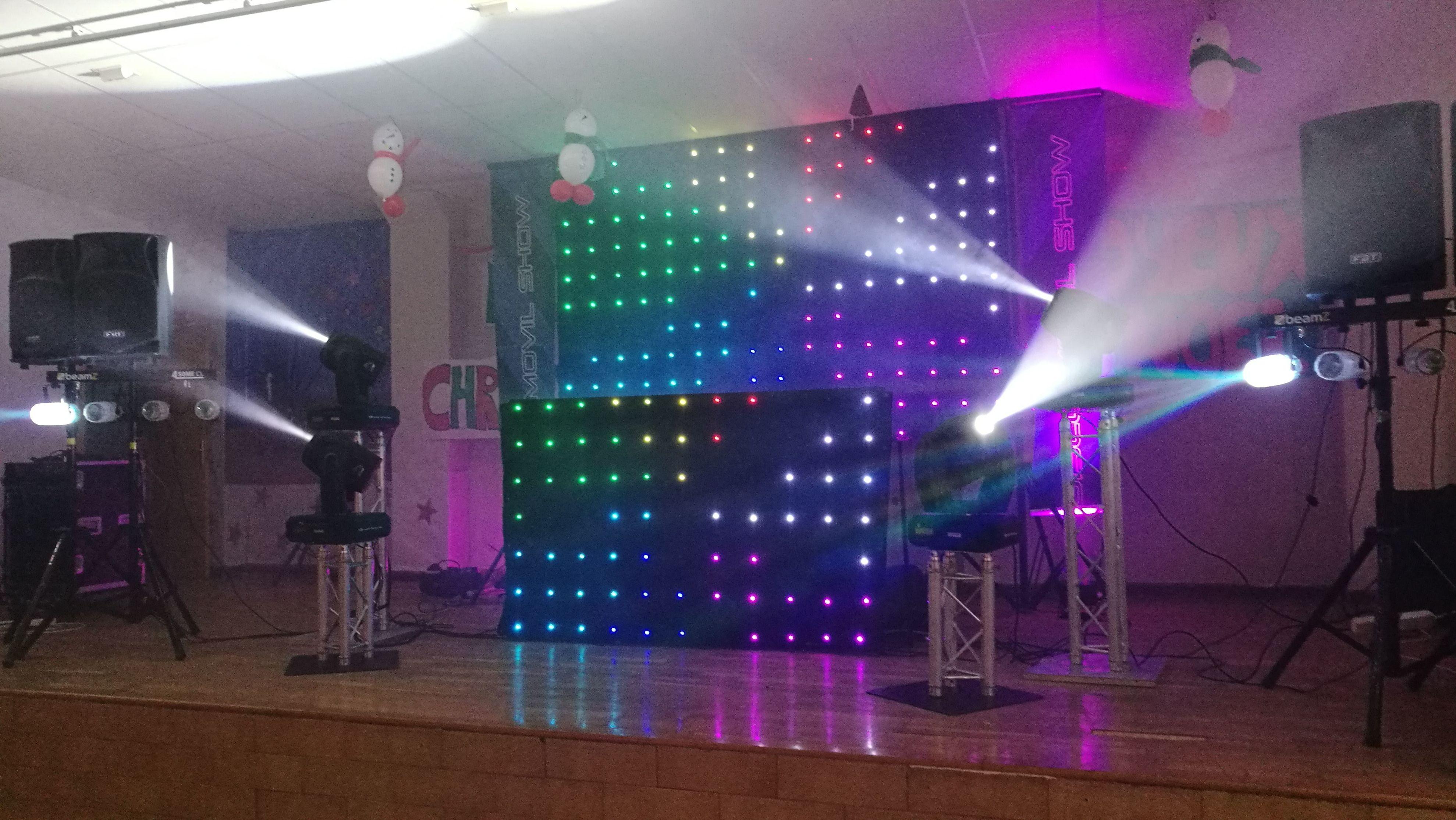 Montaje de sonido e iluminacion en interior para fiesta de Nochevieja