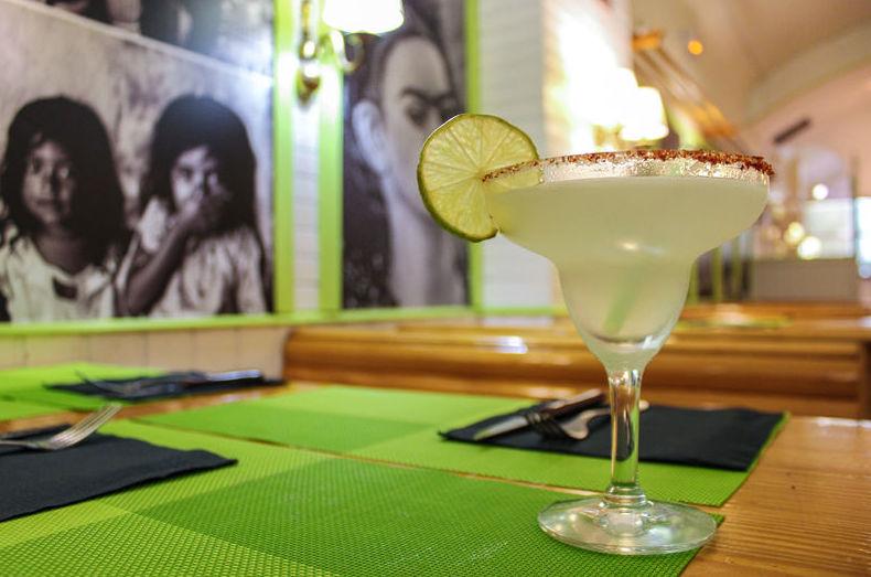 Comida mexicana y buenos cócteles en Restaurante Mezcal, barrio de Retiro, Madrid