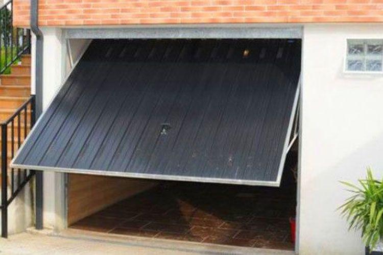 Puertas de garaje basculante en Gipuzkoa
