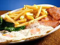 Lomo, papas fritas, huevos fritos y ensalada: Nuestra Carta de Happy Burger