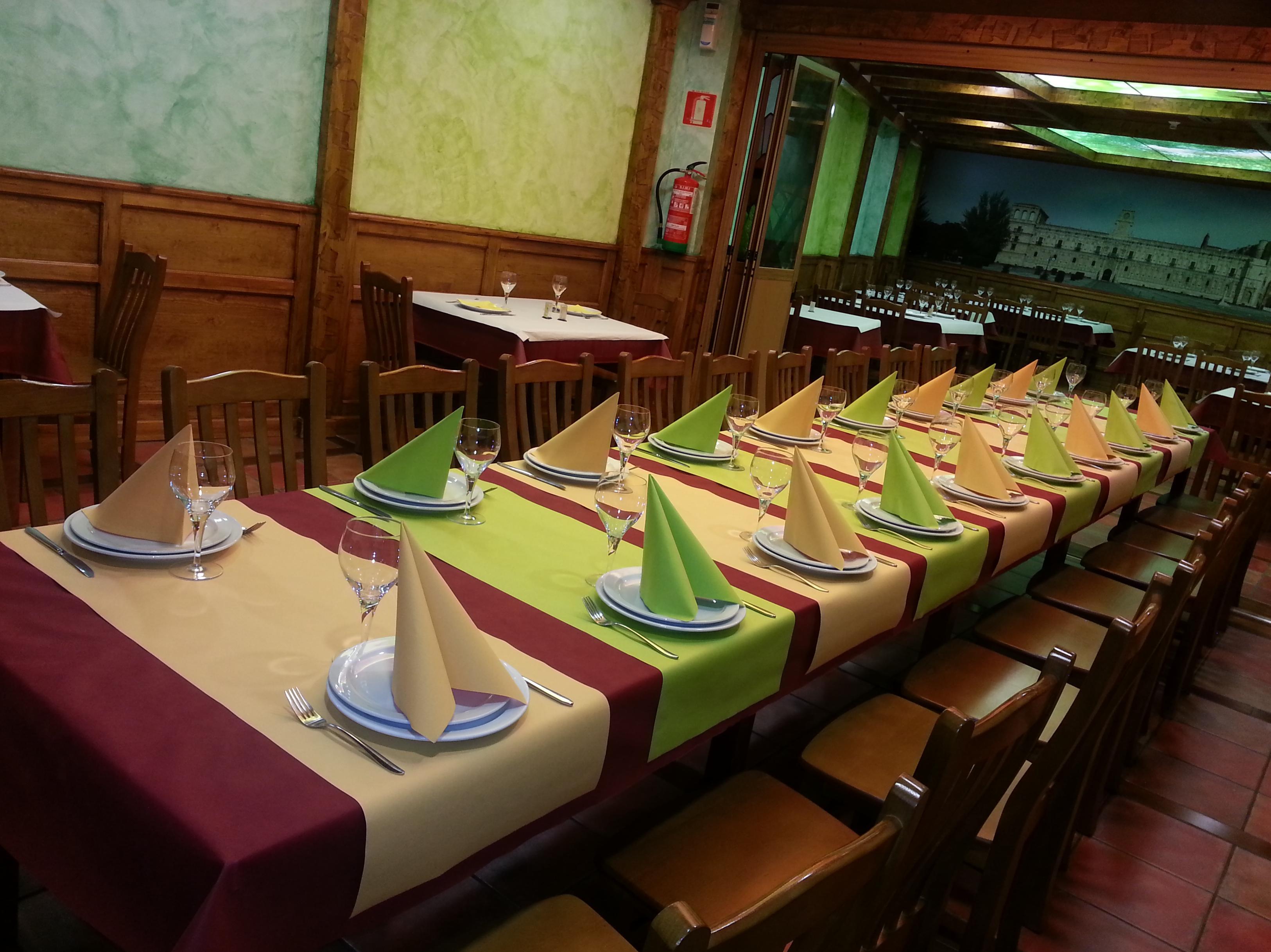 Foto 3 de Cocina tradicional en Valencia de Don Juan | Mesón Restaurante El Pesebre