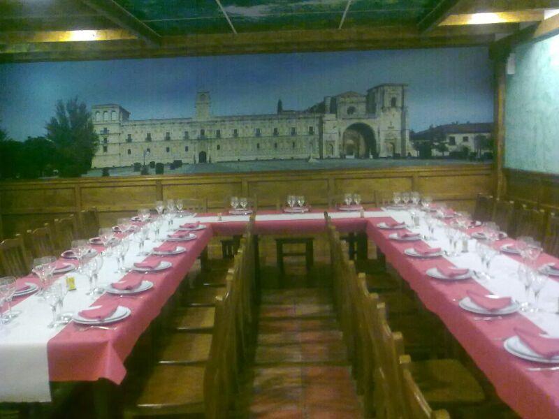 Foto 7 de Cocina tradicional en Valencia de Don Juan | Mesón Restaurante El Pesebre