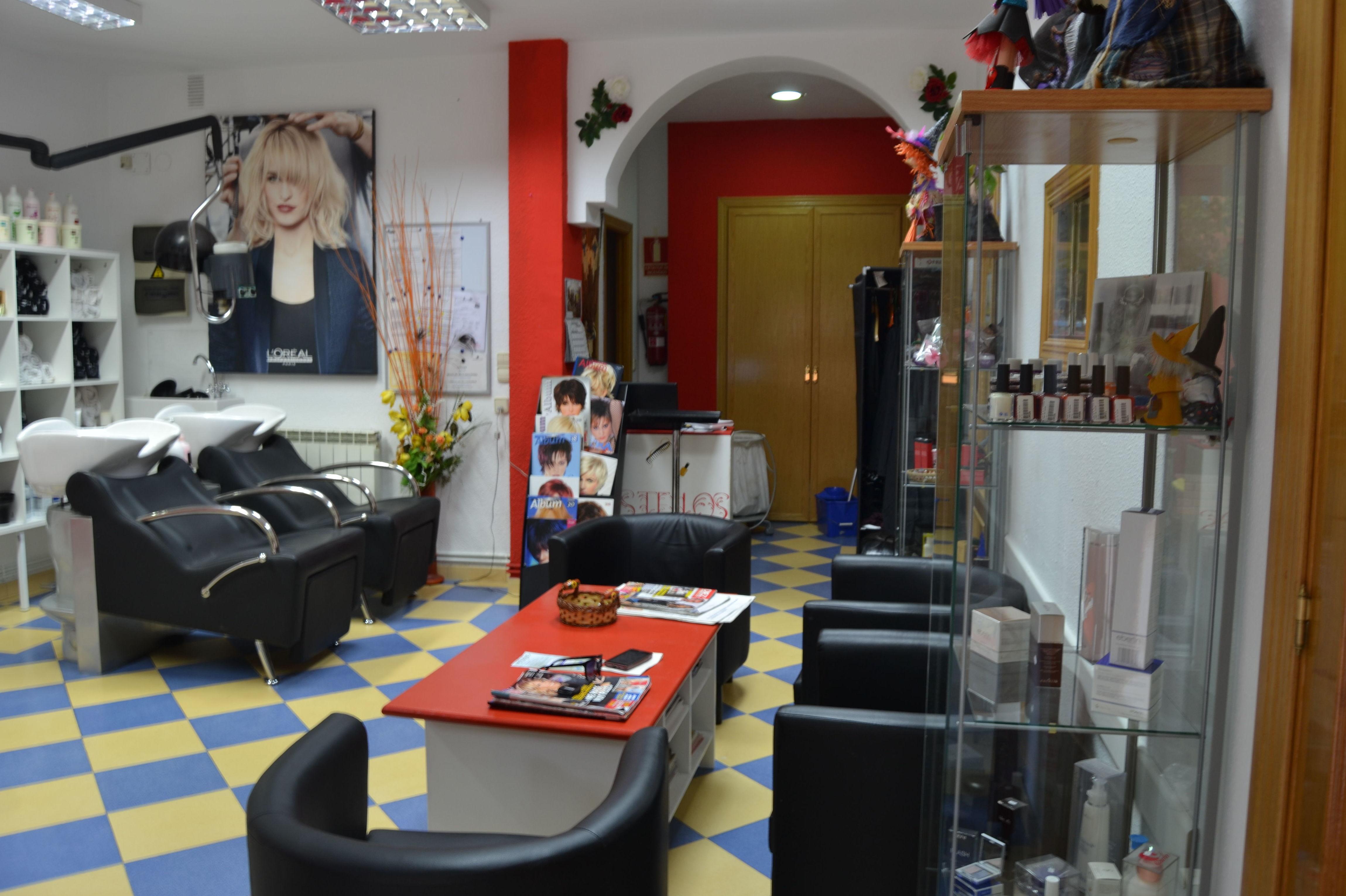 Peluquería especializada en peinados de novia Entrevías