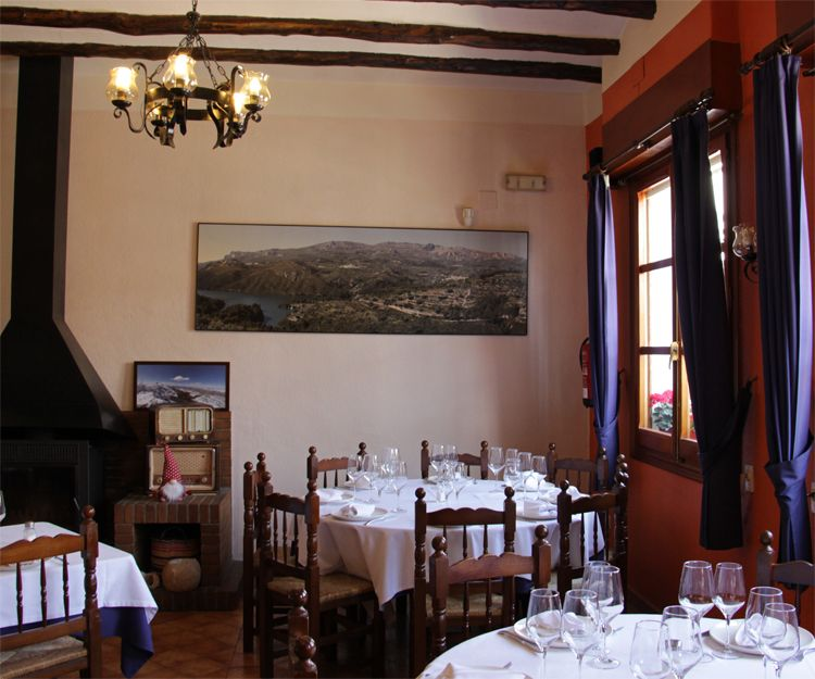 Restaurante con ambiente agradable