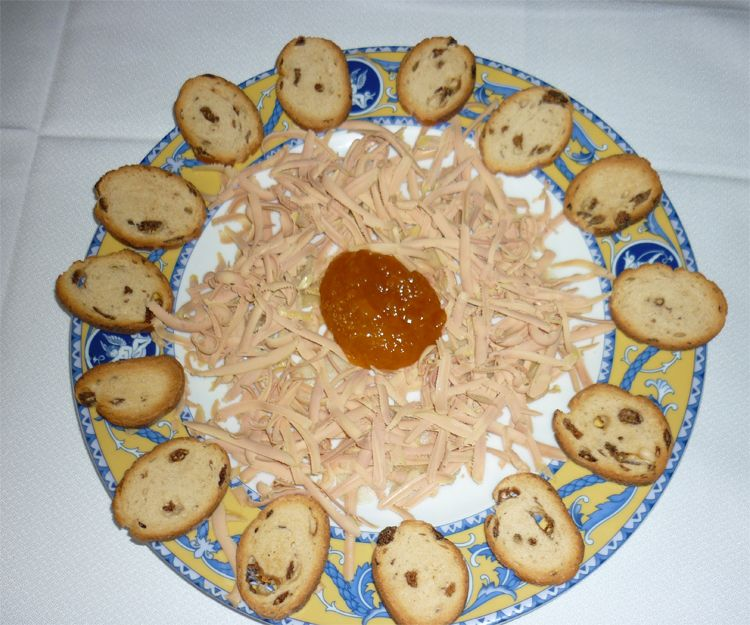 Cocina con platos caseros