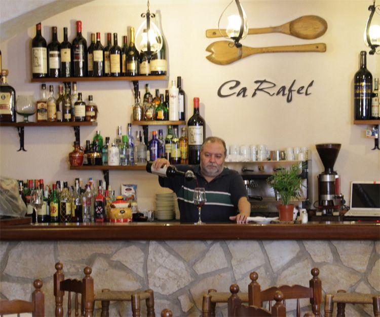 Restaurante con cocina tradicional casera