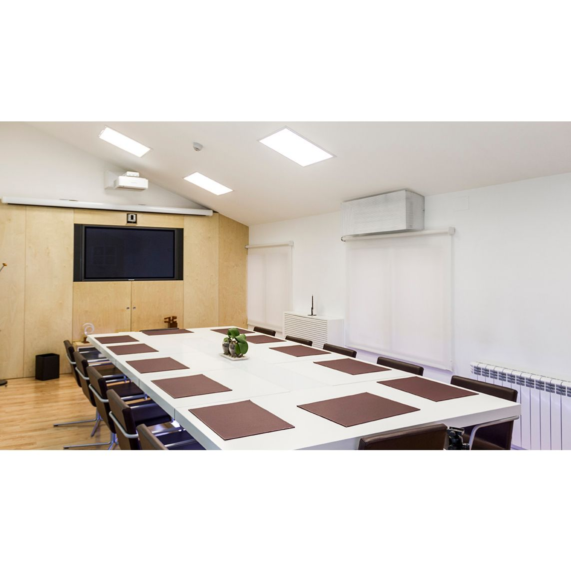 Mobiliario de oficina a medida: Proyectos y Obras realizadas de MC Interiorismo Modular