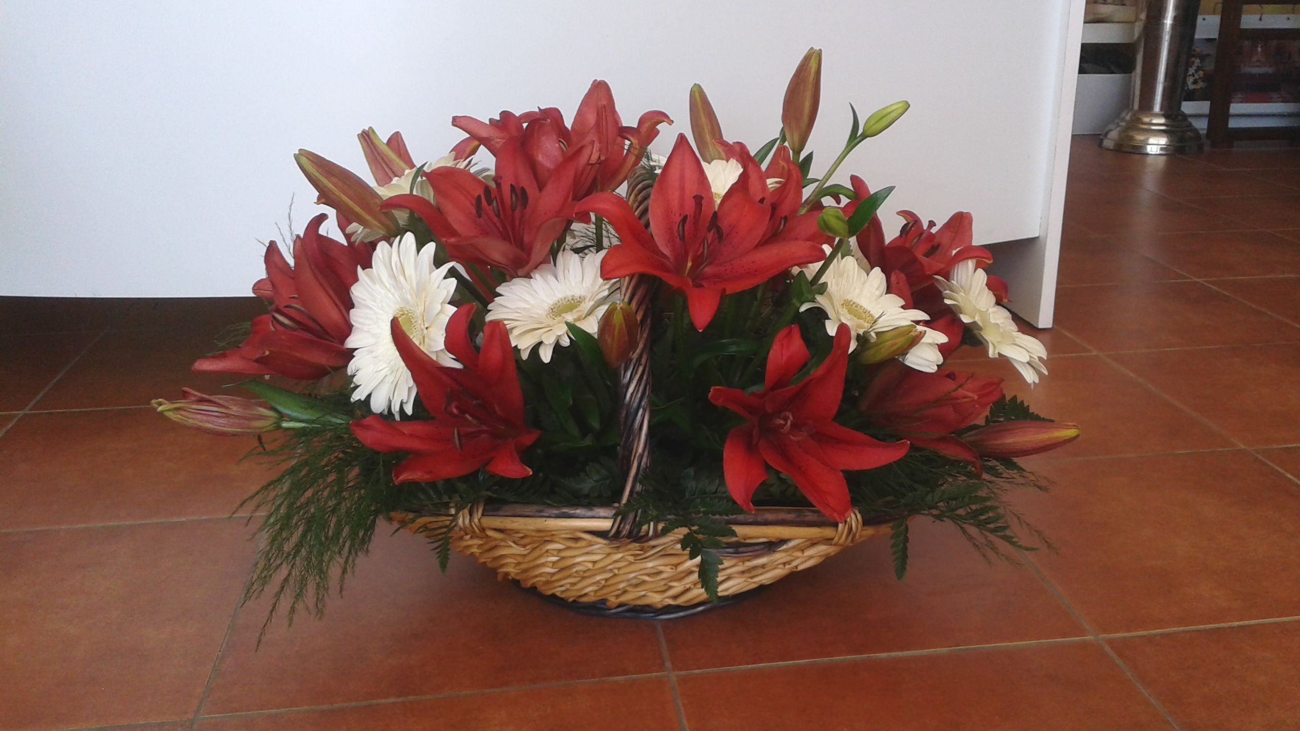 Cesta flor variada 2: Productos de ARTE Y JARDIN