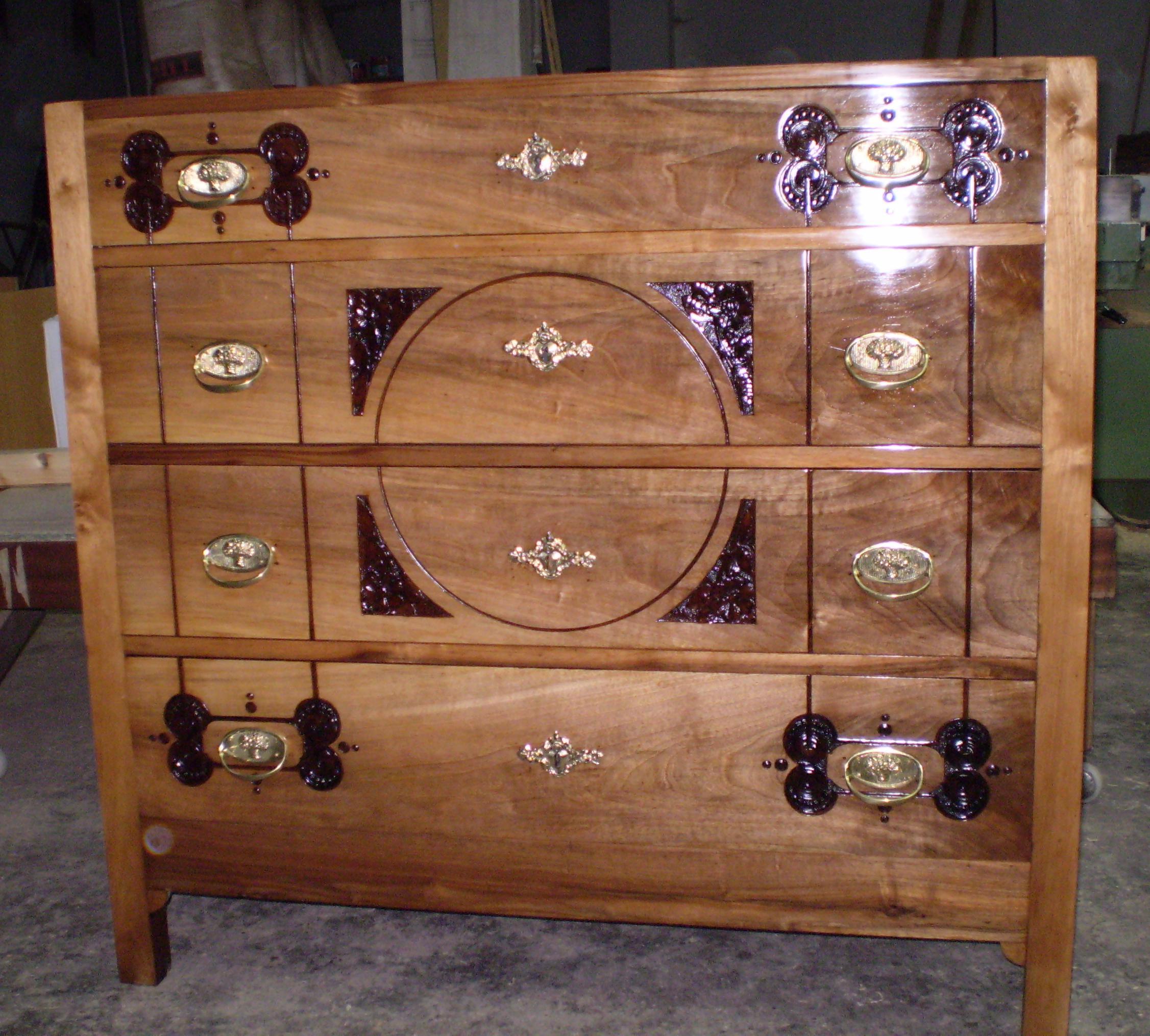 Restaurar muebles antiguos de madera beautiful decorar for Restaurar muebles de madera viejos