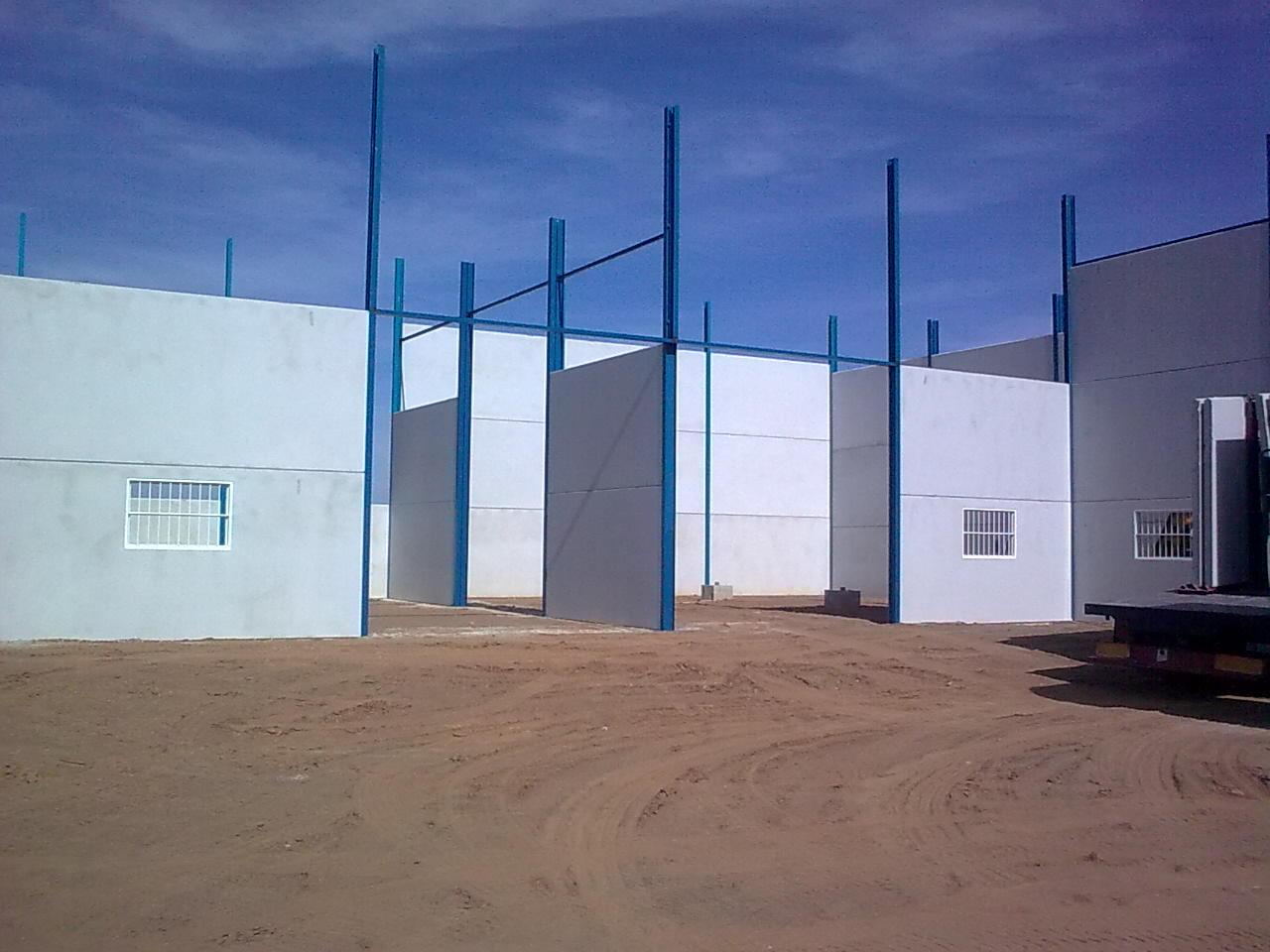 Foto 11 de Hormigón (prefabricados) en Hernán-Valle | Placas Jiménez de Haro, S.L.