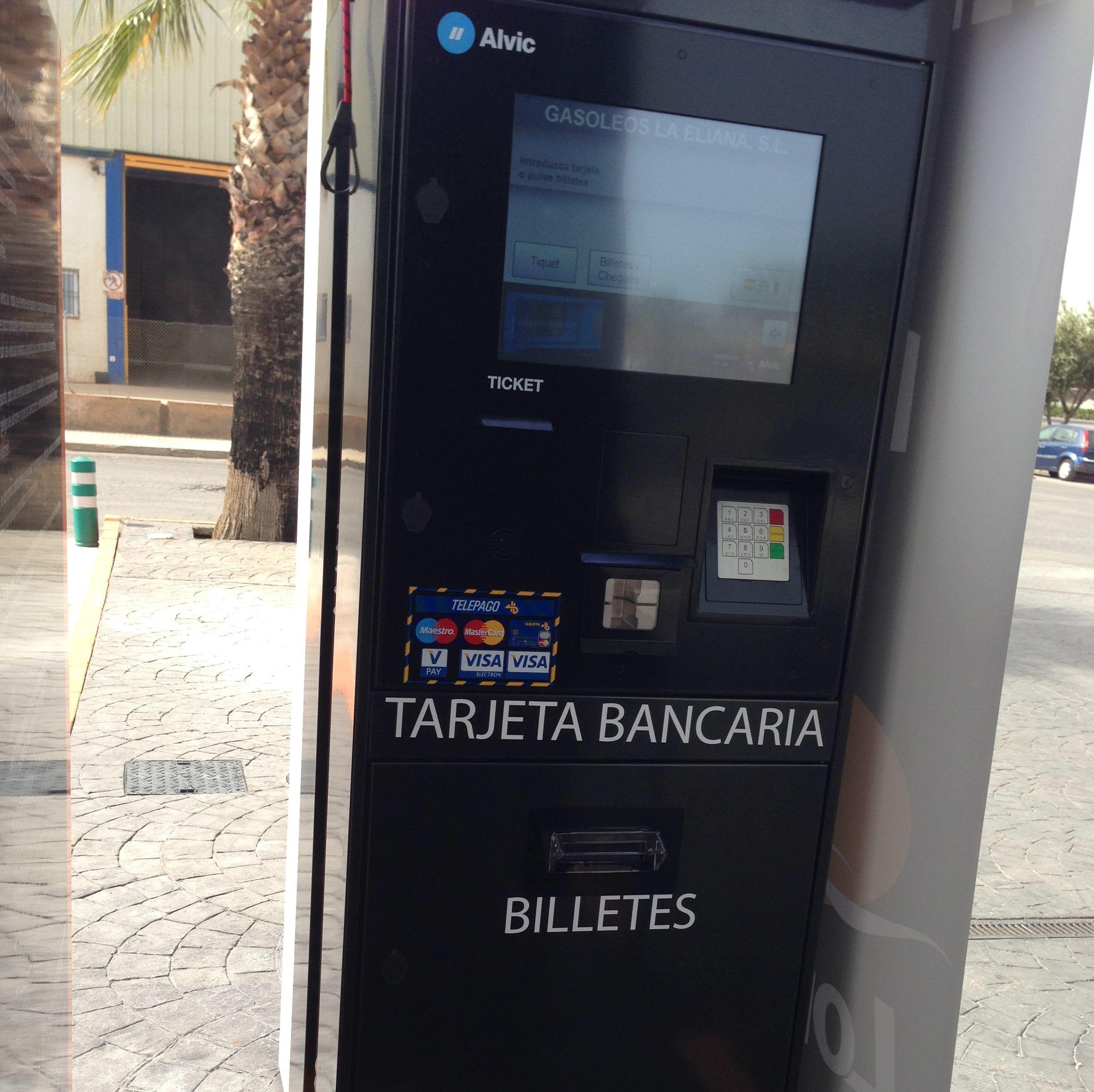 Nuevo Tarjetero Biletero en el surtidor Cta.Valencia-Ademuz,km-20,6