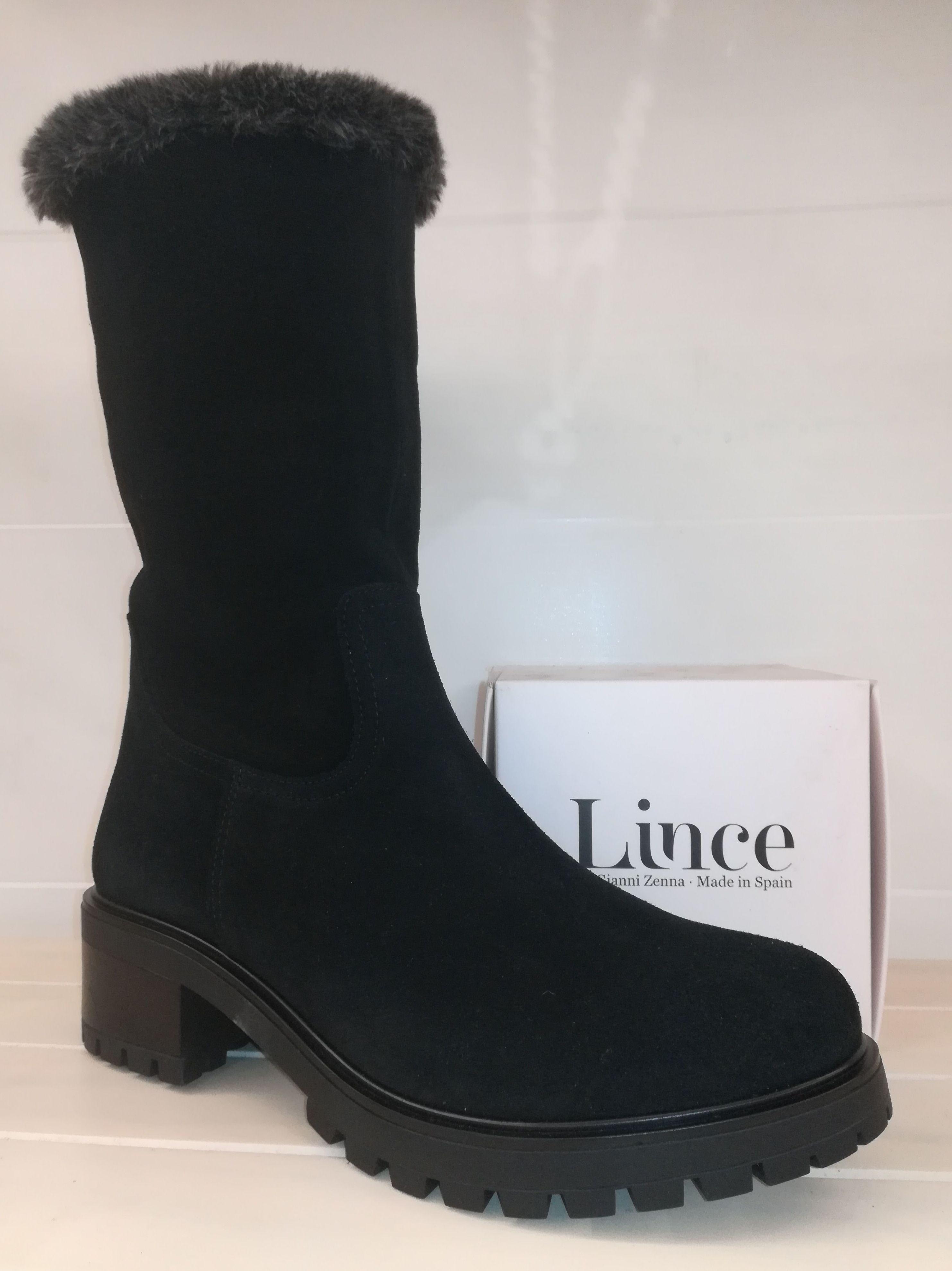 Foto 20 de Venta de calzado español para hombre y mujer en Alcorcón | Zapaterías Paco Márquez