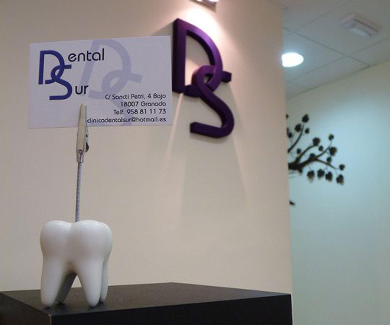 Clínica dental situada en la zona de Zaidín.